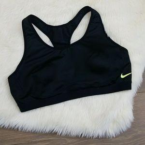 Nike Women's sport bra Medium